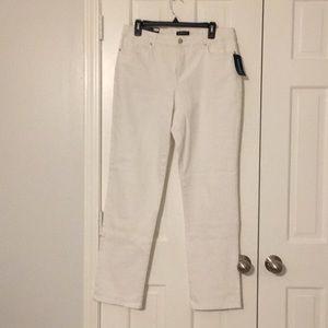 NWT Bandolino stretch white jeans straight leg.